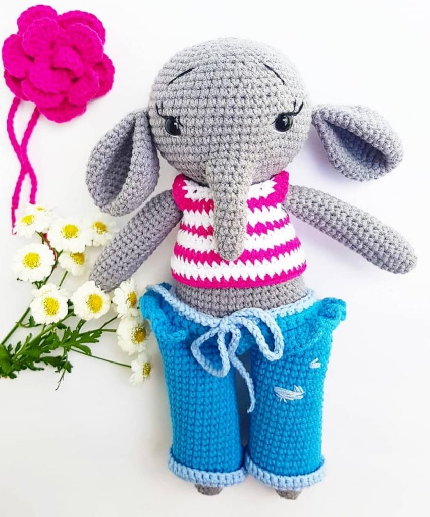 Elton the Elephant Free Crochet Pattern - Stuffed Hearts | 1024x852