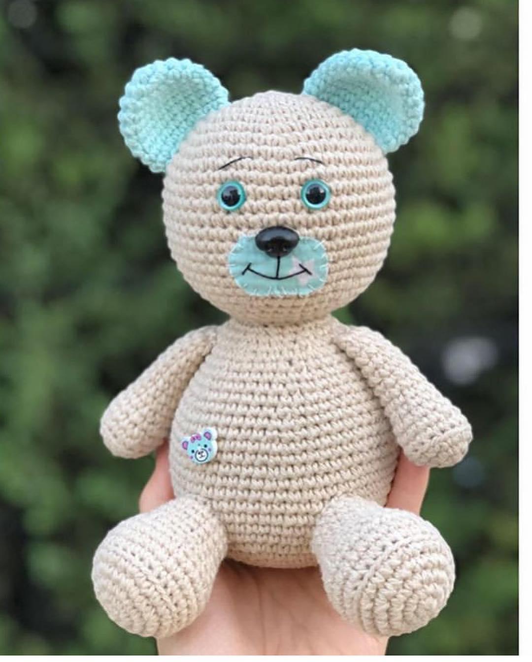 Amigurumi Gift Teddy Bear Free Crochet Pattern